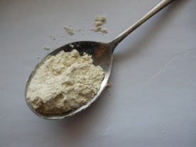 flour on spoon